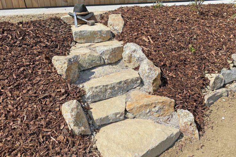 Wege mit Steinen gestalten